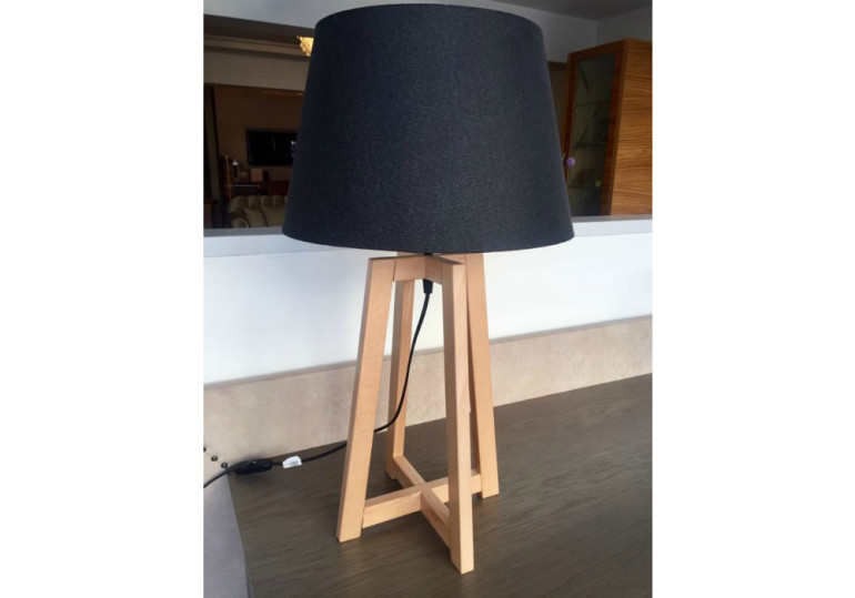 Quattro table lamp